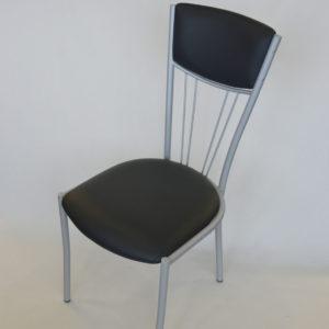 Chaise en acier