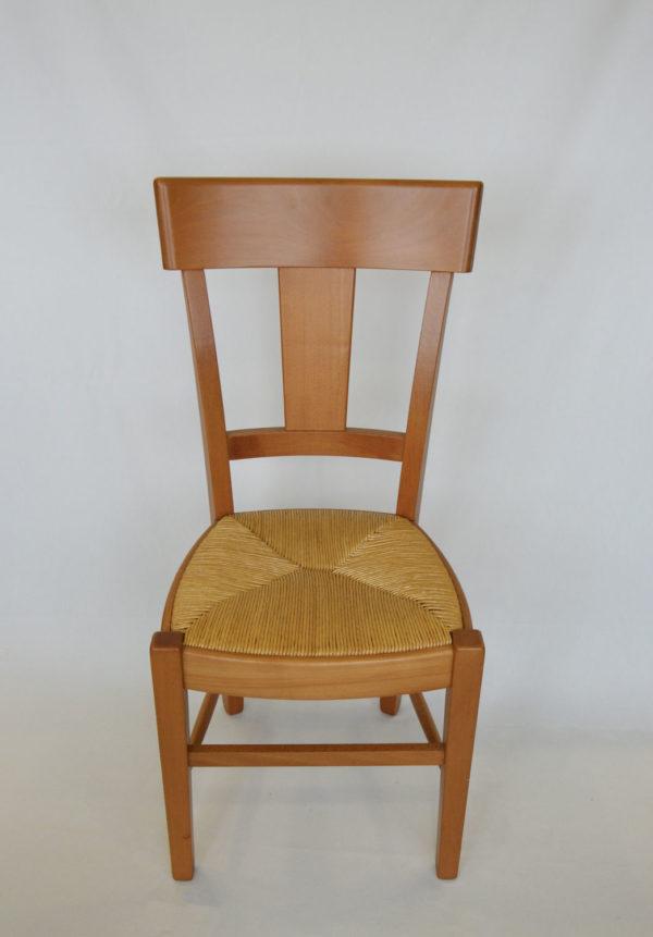 Chaise en bois et paille